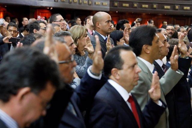 Gobernadores electos del PSUV juran sus cargos