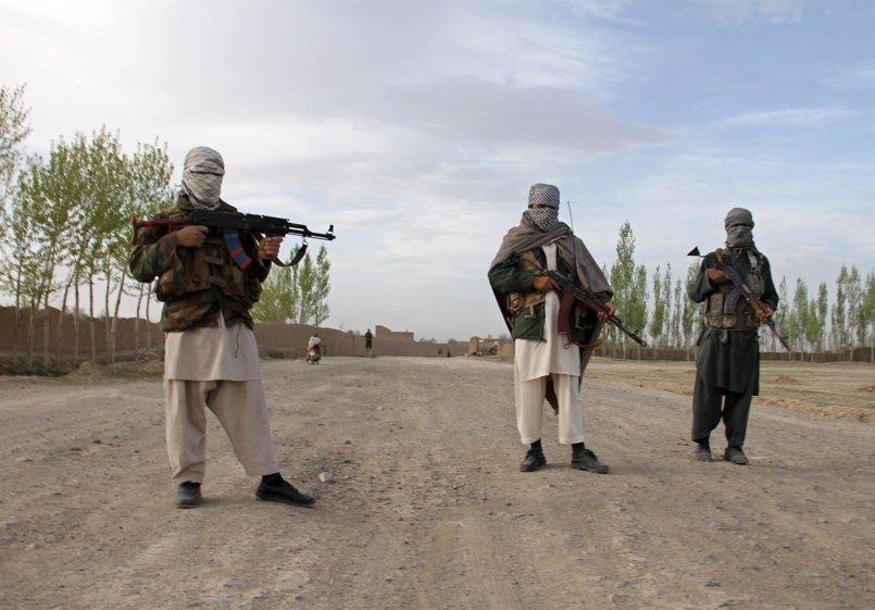Más de 40 militares muertos en un atentado suicida de los talibán en el sur de Afganistán