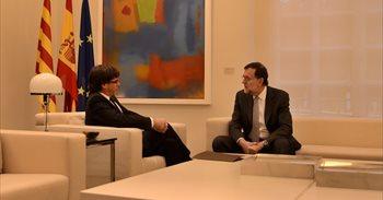 Puigdemont avisa a Rajoy que el Parlament puede declarar la independencia si no hay diálogo