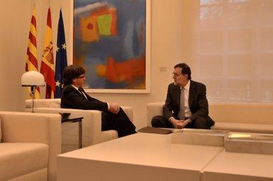 Carles Puigdemont diu a Rajoy que el Parlament pot declarar la independència si no hi ha diàleg (EUROPA PRESS)