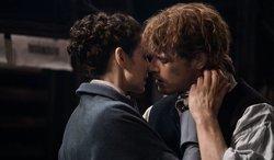 Outlander: Nuevas imágenes del esperado reencuentro de Claire y Jamie (STARZ)