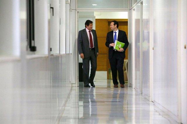 Javier Fernández y Guillermo Martínez tras el Consejo de Gobierno