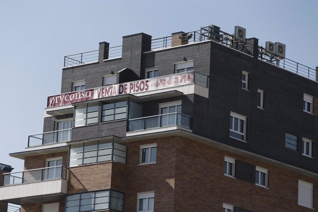 La vivienda supone más de la mitad del sueldo de los jóvenes menores de 35 años, según pisos.com