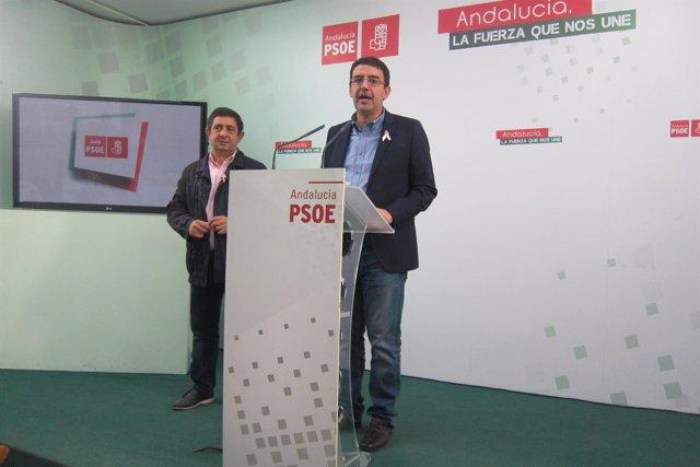 Mario Jiménez, junto a Francisco Reyes, en la rueda de prensa.