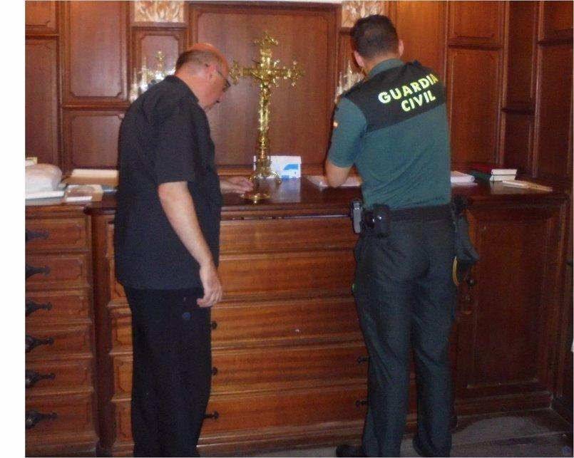 Detenido un joven por el robo de reliquias del santo patrón de Cocentaina (Alicante)