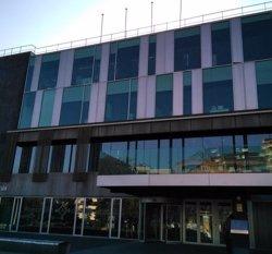 Ciutadans denuncia l'Ajuntament de Sant Cugat per retirar totes les banderes de la façana de l'edifici consistorial (ACN)