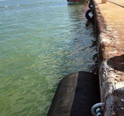 Ports millora l'atracada de vaixells al moll comercial del port de Sant Carles de la Ràpita (ACN)