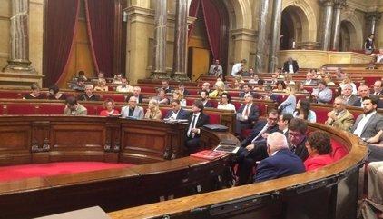 Gobierno y PSOE estudian el alcance que debe tener la aplicación del 155 sobre el Parlamento catalán