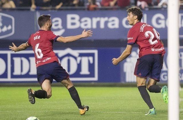Osasuna celebra el triunfo contra el Albacete en la Liga123