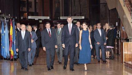 Los Reyes presiden en el Auditorio de Oviedo el tradicional Concierto Premios Princesa de Asturias