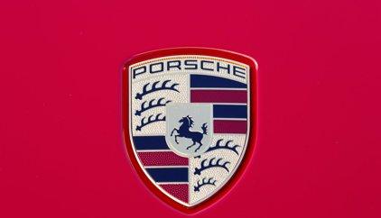 Porsche desarrolló vehículos militares para el régimen nazi de Hitler, según revela un libro de investigación