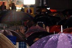 Unes 700 persones protesten contra el govern espanyol en dues manifestacions pel centre de Girona (ACN)