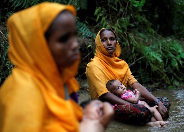 Mujeres rohingya en la frontera de Bangladesh con Birmania