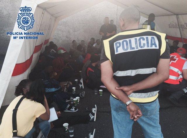 """""""Desarticulada Una Organización Que Traficó Con Centenares De Ciudadanos Subsaha"""