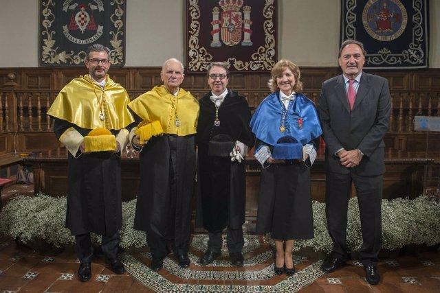 Acto de entrega de la medalla Maestro de la VI Lección Magistral Andrés Lagun