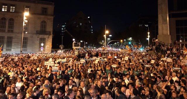 Manifestación contra el encarcelamiento de Cuixart y Sànchez