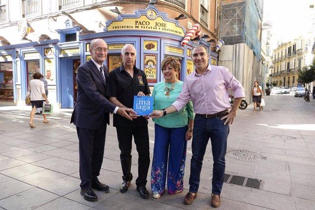 Entrega Placa Sabor a Málaga a la Freiduría Paco José