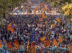 AMPLIACIÓ:El centre de Barcelona s'omple per la manifestació per la llibertat de Sànchez i Cuixart (ACN)