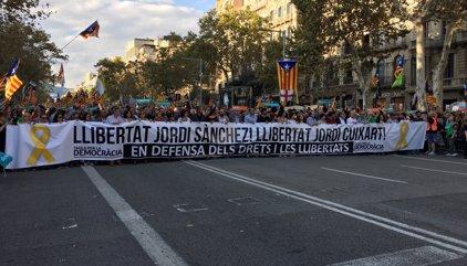 Sànchez i Cuixart demanen des de la presó defensar tant la independència com el diàleg