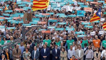 Fotos y vídeos de la manifestación en Barcelona tras la aplicación del artículo 155