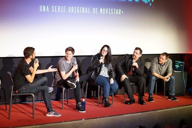 RUBIUS JUNTO A LOLITA ALDEA, JUAN TORRES, DAVID BRONCANO Y ALEXIS SÁNCHEZ