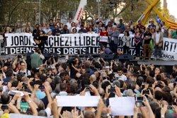 AMPLIACIÓ:Òmnium i l'ANC responen a Rajoy que