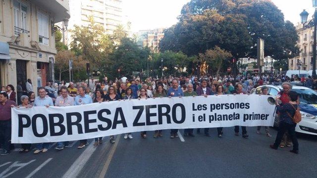 Marcha por la capital valenciana contra la desigualdad