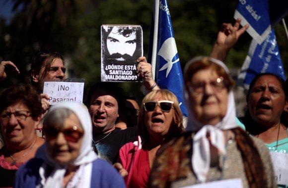 Protesta por la desaparición de Santiago Maldonado