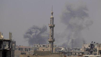 """Rusia acusa a EEUU de """"borrar a Raqqa de la faz de la tierra"""" a base de bombardeos"""