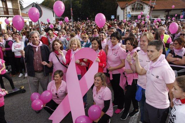 Marcha solidaria contra el cáncer de mama en Puente San Miguel
