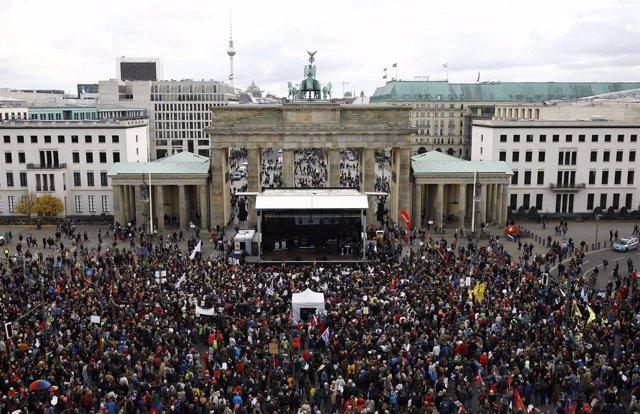 Manifestación contra el AfD en Parlamento alemán