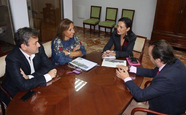 Reunión de Asunción Grávalos con la Fundación Laberinto
