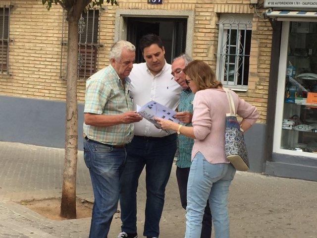 El PP se reúne con vecinos de la barriada de El Greco en Sevilla