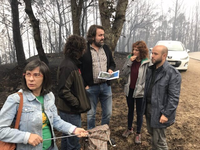 Villares visita incendio en Vigo