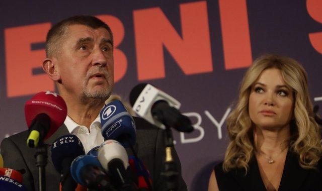 El líder de ANO, Andrej Babis, y su esposa