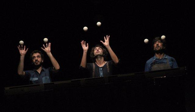 Obra en el Festival de Teatro del Humor de Santa Fe (Granada)