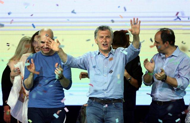 El presidente de Argentina, Mauricio Macri, celebra la victoria de Cambiemos