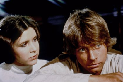 Star Wars: Mark Hamill rinde tributo a Carrie Fisher en su cumpleaños