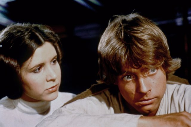 Mark Hamill rinde tributo a Carrie Fisher