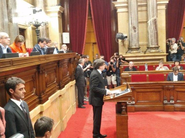 El president català Carles Puigdemont en el ple del Parlament