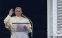El Papa denuncia la idolatría al dinero como causa de guerras e invita a pensar en los 200.000 niños refugiados rohinyá