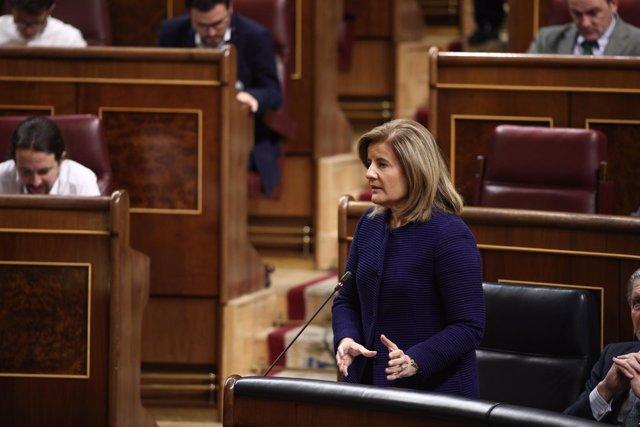 Fátima Báñez en la sesión de control al Gobierno en el Congreso