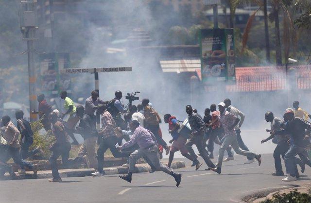 Disturbios durante una manifestación en Nairobi