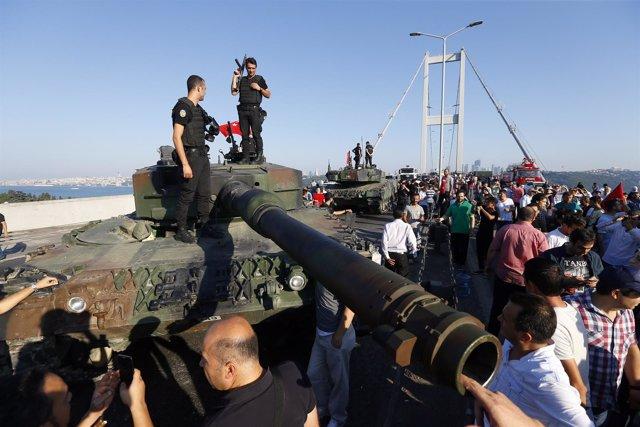 Imagen de archivo del golpe de Estado en Turquía en julio de 2016