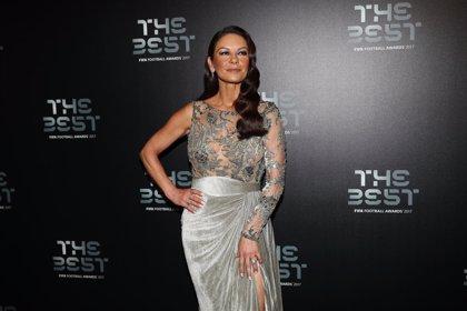 Catherine Zeta Jones, irreconocible en la gala de The Best FIFA