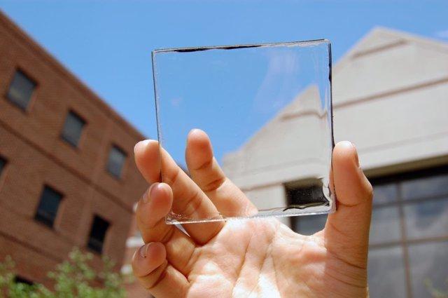 Célula solar transparente