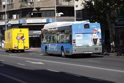 Los buses de la EMT llevarán desfibriladores y una APP informará de la ubicación de los dispositivos más cercanos
