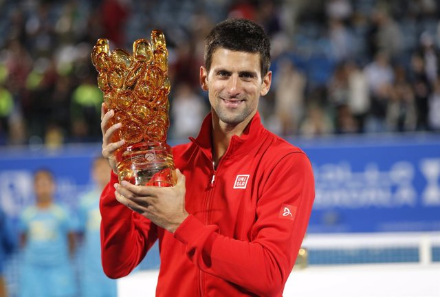 Novak Djokovic triunfa en Abu Dhabi