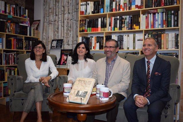 La periodista Mari Paz Díaz recoge en un libro 50 años vitales de periodismo.