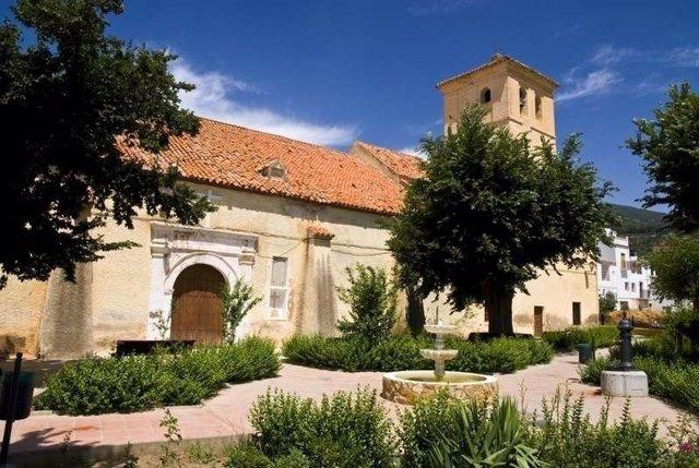 Iglesia parroquial de Paterna del Río (Almería)
